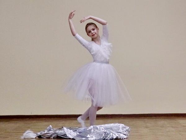 Лебедь, Настя Сербантова