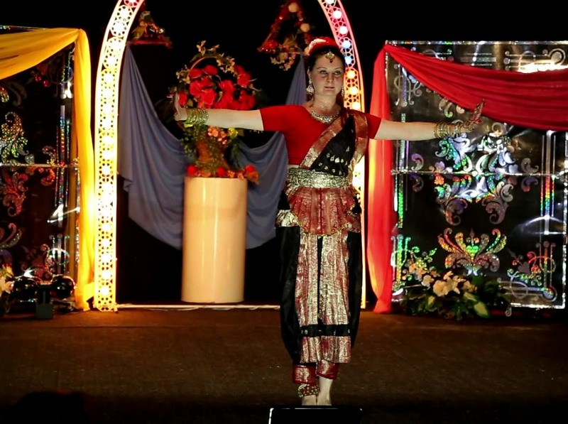 Индийский танец Групповые занятия